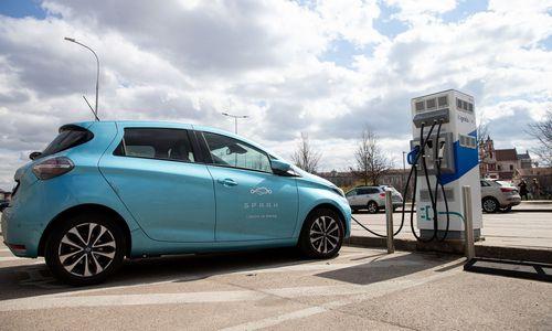 M. Skuodis: per trejus metus elektromobilių įkrovimo prieigų skaičius didės 11 kartų