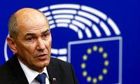 Slovėnijos premjeras Europos lyderius ragina aktyviau palaikyti Lietuvą ginče su Kinija