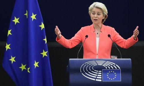 EK pirmininkė apie ES iššūkius: pandemijanesibaigė, Lietuva dėl migrantų krizėsneliks viena