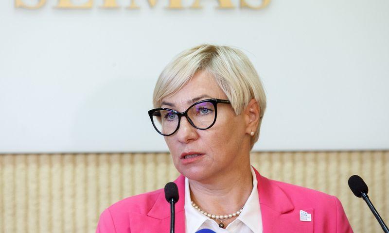 Parlamentinių partijų atstovai Seime pasirašė susitarimą dėl švietimo. Juditos Grigelytės (VŽ) nuotr.