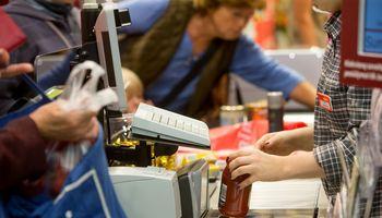 Sparčiai daugėja užsieniečiams išduodamų leidimų dirbti