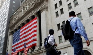 """Teigiami ženklai iš JAV nepradžiugina, prastinamas """"Auga Group"""" vertinimas"""