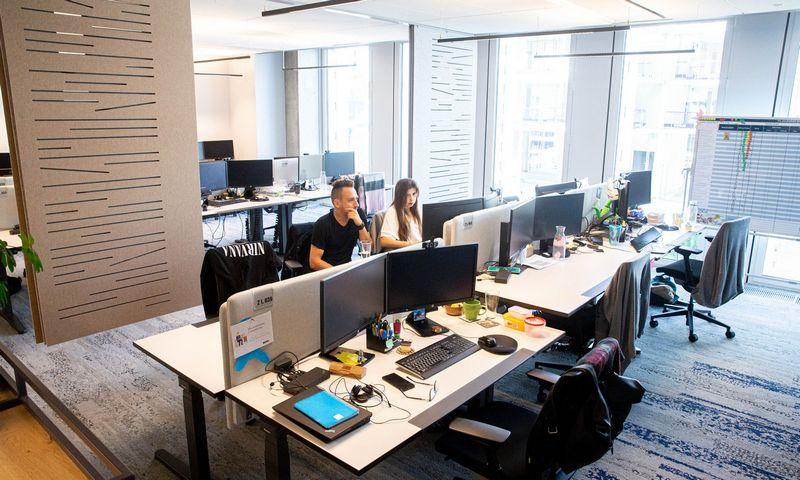 """""""Danske Bank"""" technologijų ir finansų slėnio """"DC Valley"""" pastatas. """"Danske Bank"""" šiuo metu išbando sprendimą, kuris leistų pasižiūrėti darbo vietų užimtumą prieš atvykstant į biurą. Juditos Grigelytės (VŽ) nuotr."""