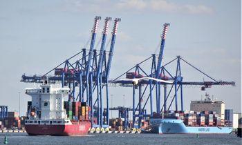 Konteinerių srautas uoste auga, bet geopolitinės rizikos grasina viską nubraukti