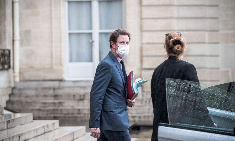 "Prancūzijos Europos reikalų ministras Clement'as Beaune'as. Nicolas Messayasz (SIPA / ""Scanpix"") nuotr."