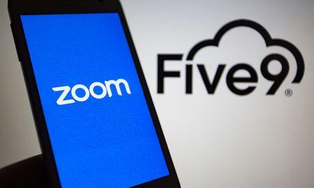 """""""Five9"""" investuotojams – raginimas atmesti 14,7 mlrd. USD """"Zoom"""" pasiūlymą"""