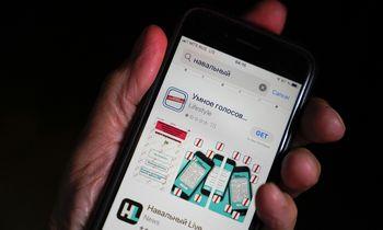 """Rinkimų dieną A. Navalno programėlė dingo iš """"Google"""" ir """"Apple"""" parduotuvių"""