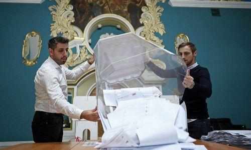 """Pirmieji Rusijos rinkimų rezultatai: pirmauja """"Vieningoji Rusija"""", """"Nauji žmonės"""" įveikia 5% barjerą"""