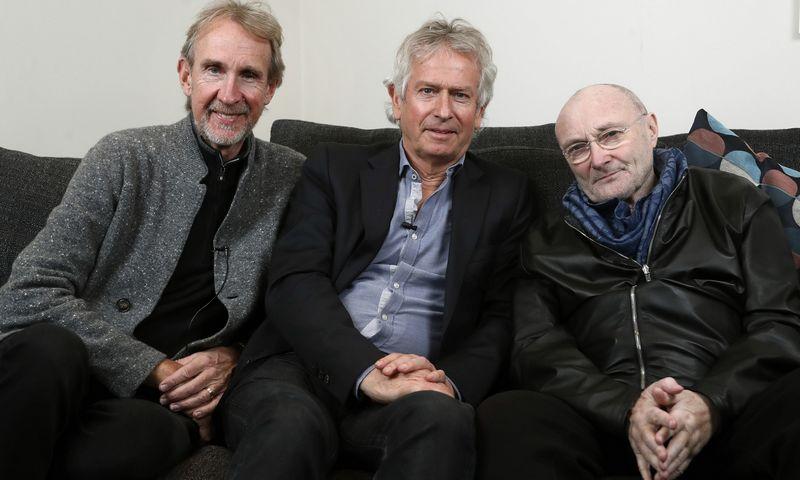 """Genesis"" nariai (iš kairės): Mike'as Rutherfordas, Tony Banksas, Philas Collinsas, 2020 m. Franko Augsteino (""AP Photo"" / ""Scanpix"") nuotr."