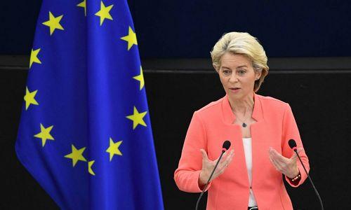 """EK pirmininkė: elgesys su Prancūzija """"nepriimtinas"""""""
