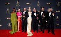 """Emmy"" apdovanojimuose – ""Netflix"" ""Karūnos"" ir ""Valdovės gambito"" triumfas"