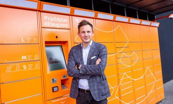 """Augant lietuviškų įmonių e. prekybai, """"Omniva LT"""" siuntas pristatys visame pasaulyje"""