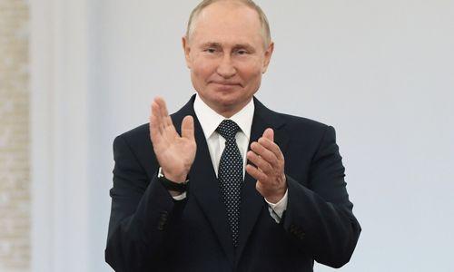 Kremliaus rinkimų karnavalas savo tikslus pasiekė, protestai sunkiai tikėtini