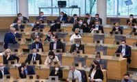 Seimo nariainepanoroįsivesti sankcijas už praleistus posėdžius