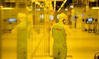 Euro zonos verslo aktyvumas signalizuoja lėtesnį ekonomikos augimą