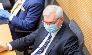 Seimas apkramtė prezidento pasiūlytą viešųjų pirkimųreformos modelį