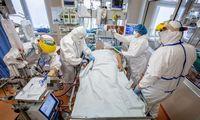 Santaros klinikos sparčiai pilnėja, didinamas COVID-19 lovų skaičius regionuose