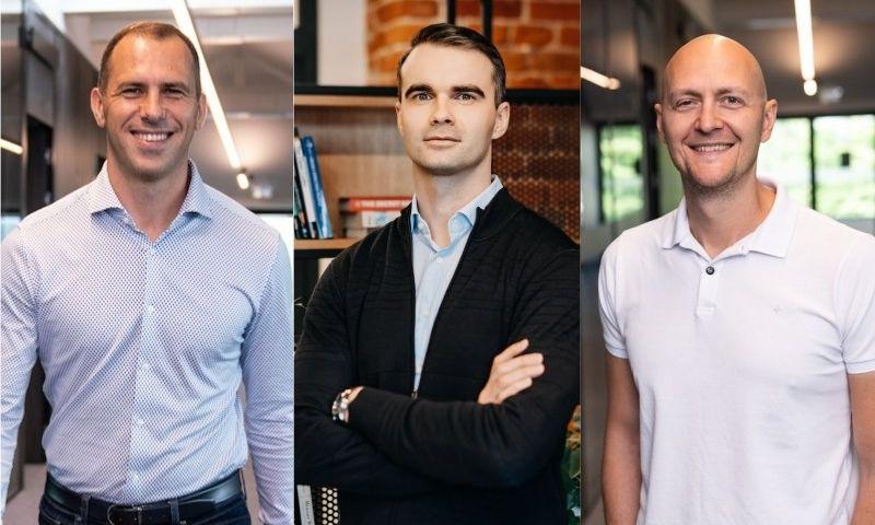 """JAV programavimo paslaugų įmonės """"Devbridge""""įkūrėjai – Martynas Stašaitis, Viktoras Gurgždys, Aurimas Adomavičius."""