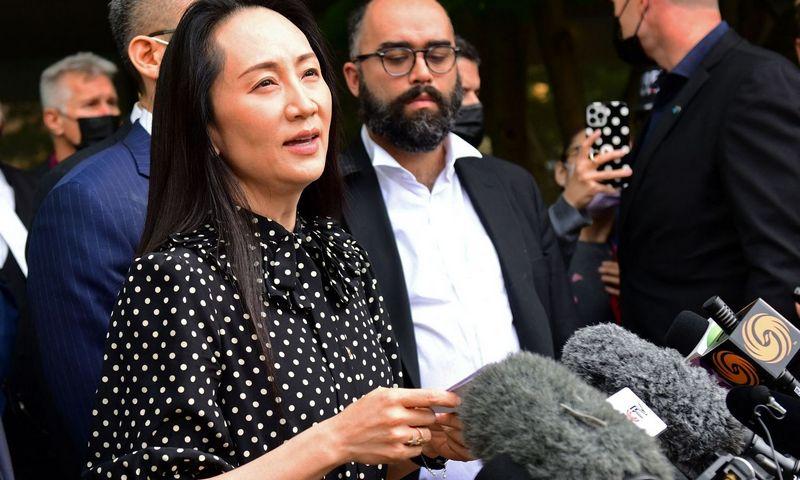 """Kanados teismas išleido Meng Wanzhou. AFP / """"Scanpix"""" nuotr."""