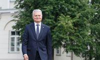 Palankiausiai vertinamu politikuišlieka G. Nausėda