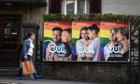 Šveicarija balsuoja referendume dėl homoseksualių porų santuokų