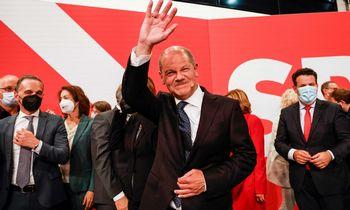 Rinkimų naktis Vokietijoje: socialdemokratai užsitikrino minimalią persvarą, A. Merkel partija nusivylusi