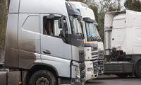 Augantys vairuotojų atlyginimai nepritraukia naujų darbuotojų