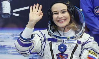 Kosminės kino lenktynės: rusai nusileido pirmieji