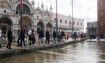 Venecija turistams neriatechnologijų apynasrį