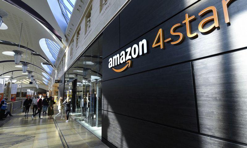 """""""Amazon"""" atidarė pirmąją fizinę parduotuvę """"Amazon 4-star"""" Jungtinėje Karalystėje. Doug Peters (""""Scanpix"""" / PA) nuotr."""