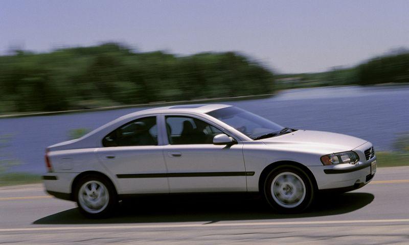 """Atšaukiami tam tikrais metais gaminti, didžiąją dalimi JAV rinkoje parduoti """"Volvo S60"""" ir S80 modeliai. """"Volvo Cars"""" nuotr."""