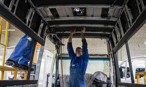 Nerimo ruduo: automobilių dalių gamintojai pradeda stabdyti gamybą