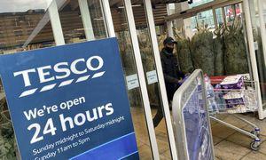"""""""Tesco"""" apskaitos skandalas: taikos sutartis atsiėjo 193 mln. GBP"""