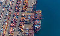 JAV didieji uostai ir kompanijos dirbs ištisą parą, siekiant spręsti tiekimo problemas