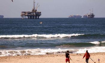 Naftapasilypėjo iki 85 USD, iki metų pabaigosgali pasiekti ir100
