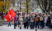 Į A. Astrauskaitės mitingą prieš pandemijos valdymą Vilniuje susirinko apie 150 žmonių