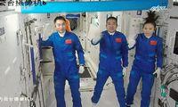 Trys Kinijos astronautai pradeda iki šiol ilgiausią misiją orbitoje