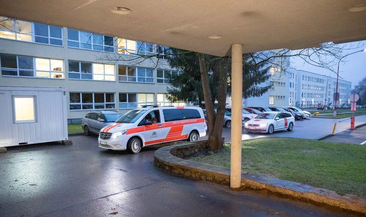 Plintant koronavirusui Vilniaus klinikos uždaro kraujagyslių chirurgijos skyrių