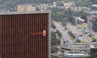 """""""Swedbank"""" uždirbo 14% mažiau pelno, pelningumą graužia besipučiantys indėliai"""