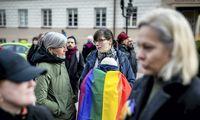 Prie Prezidentūros susirinko LGBT bendruomenės rėmėjai