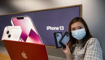 """""""Apple"""" gali būti paskutinė didžioji JAV technologijų bendrovė Kinijoje"""