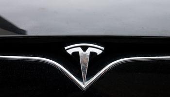 """Akcijos gerina rekordus, """"Teslai"""" liko keleri lyderystės metai"""