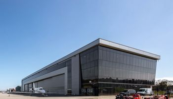 ASG įsigijo keleivių terminalą ir angarą Londono Bigin Hilio oro uoste
